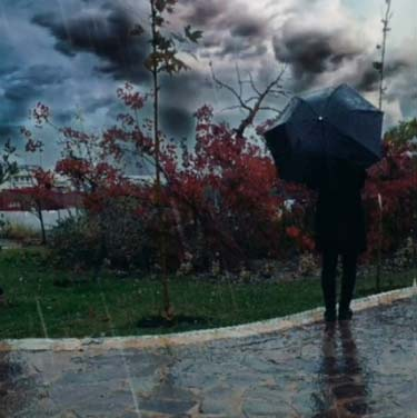 دانلود آهنگ بودنت هنوز مثل بارونه تازه و خنکو نازو آرومه