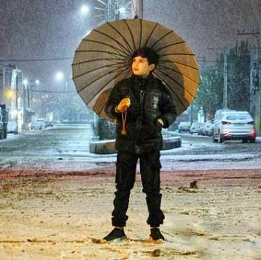 دانلود ریمیکس آهنگ باز که چتری زدی حسین توکلی
